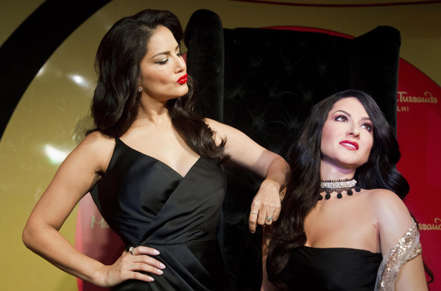 Sunny Leone uncovers her wax statue at Delhi's Madame Tussauds