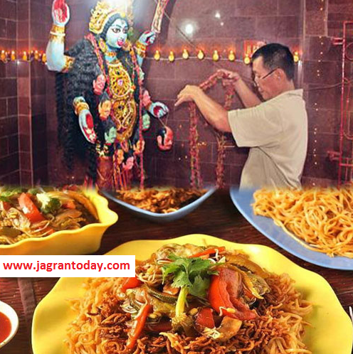 Vikhyaat or Aakrashak Mandiron ka Desh Bharat