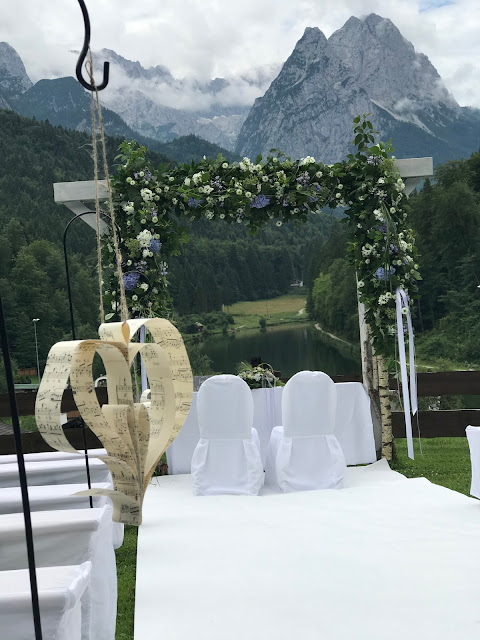 Wedding ceremony on the meadow, Wedding abroad, Mountain wedding lake-side at the Riessersee Hotel Resort Bavaria, Germany, Garmisch-Partenkirchen