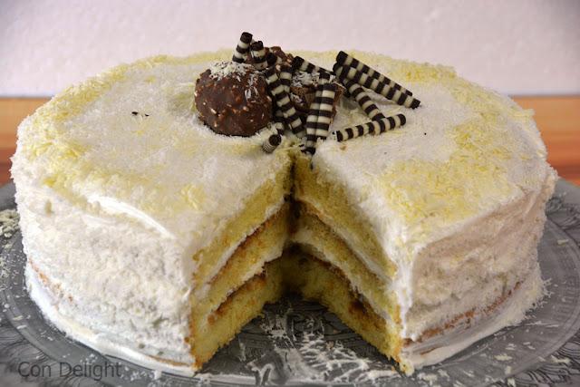 עוגת שכבות וניל קוקוס ריבת חלב coconut vanilla layered cake