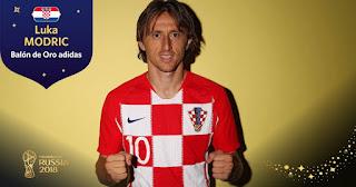 لوكا مودريتش قائد منتخب كرواتيا يحصل على جائزة أفضل لاعب في بطولة كأس العالم 2018 في روسيا.