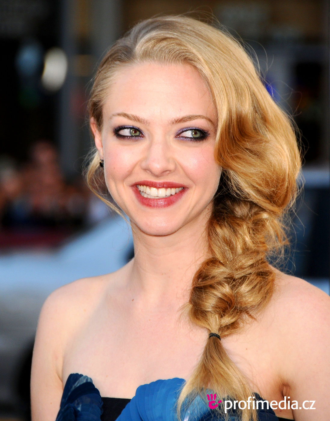 High Falls 30 Wonderful Easy Hairstyles For Curly Hair