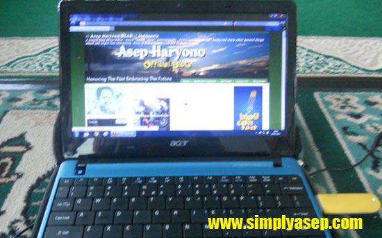 ONLINE : Kini setiap orang bisa berbagi informasi ke dunia maya. Waspada postingan mu   Foto Asep Haryono