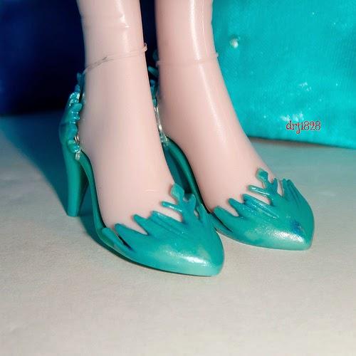 Barbie Gigante Pede Um Sapato Novo De Massinha Play-doh Inspirado Na Elsa Do Frozen!!! Totoykids.