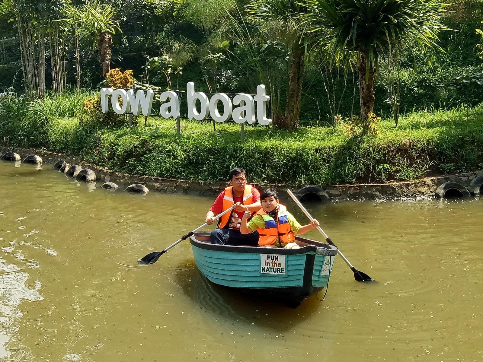 Hasil gambar untuk Row A Boat dago dream park