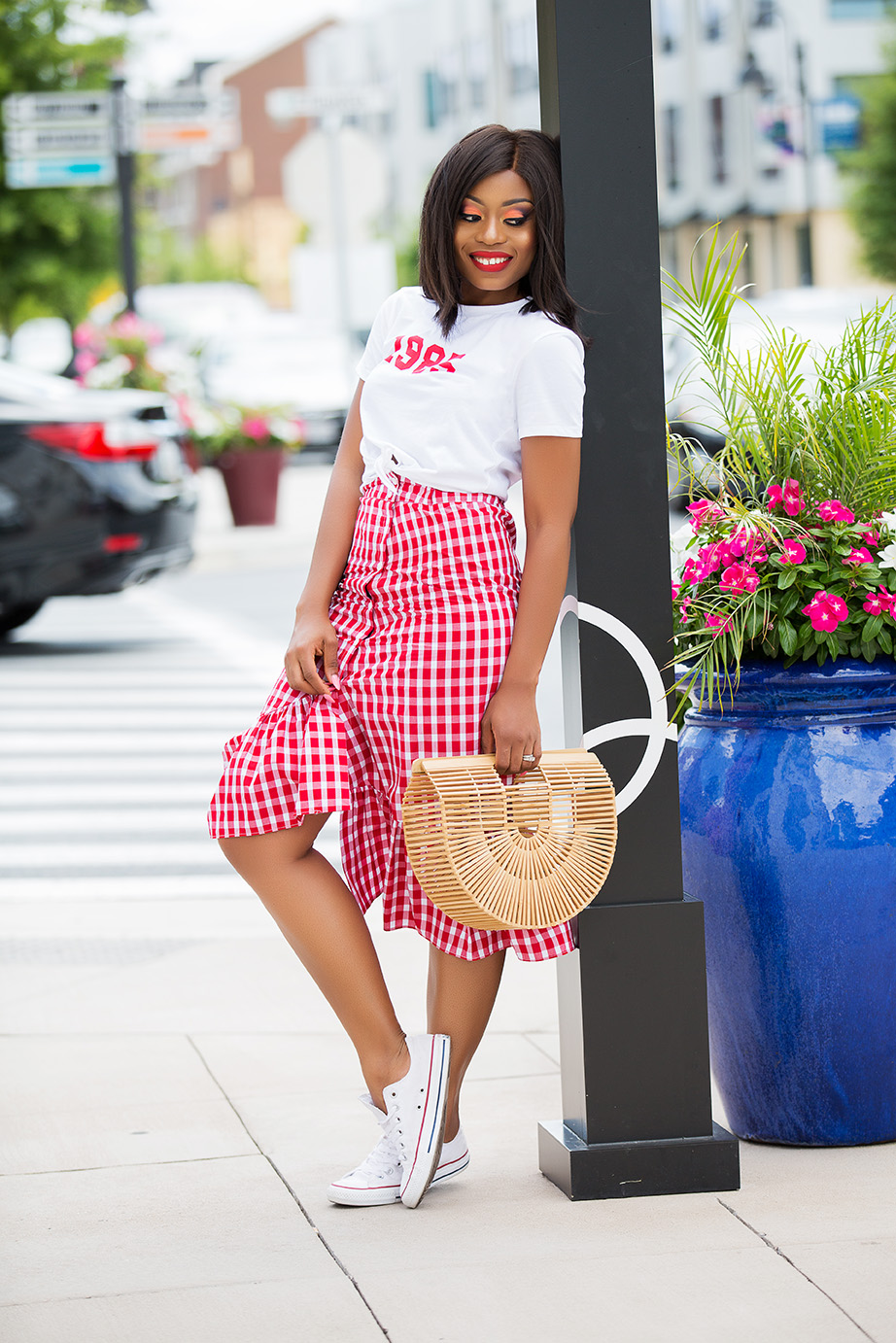 gingham ruffle skirt, graphic tee, www.jadore-fashion.com