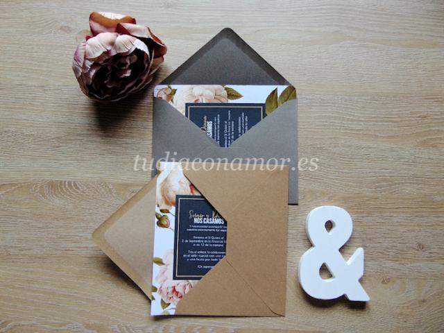 Invitaciones de boda shabby chic con rosas David Austin y un toque vintage romántico