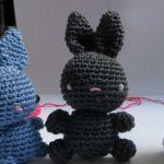 https://translate.google.es/translate?hl=es&sl=en&tl=es&u=http%3A%2F%2Fherzstueck-handmade.deviantart.com%2Fart%2FFree-basic-Bunny-pattern-Amigurumi-493869229