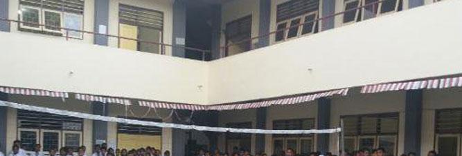 Lahan Sekolah Menengah Atas Negeri 12 Ambon saat ini masih merupakan aset Kanwil Kementerian Agama Maluku dan belum ada izin pelaksanaan hibah dari Kementerian Keuangan RI kepada pemerintah provinsi sehingga gedungnya tidak bisa direnovasi.