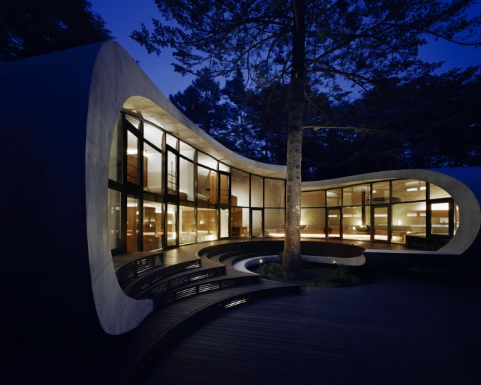 17-Front-Artechnic-Architects-Residential-Architecture-with-the-Shell-House-www-designstack-co