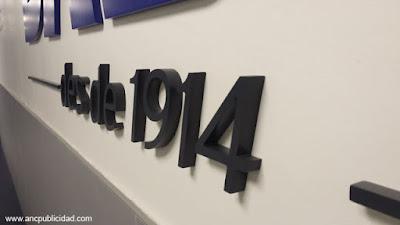 letras corpóreas hechas en PVC