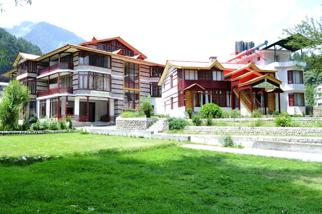 Woodrock Hotel Manali, Himachal Pradesh makes your holidays more special.