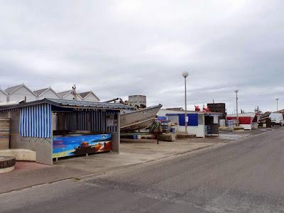 キベルヴィル Quiberville 魚屋のスタンド