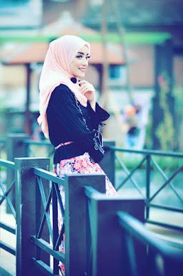 Foto Cewek Model  hijab 18 tahun Foto Cewek Model  hijab 1 warna