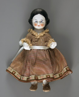 Frozen Charlotte Doll with Wood Coffin Beautiful Corpse with Bonnet
