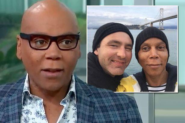 """RuPaul comenta sobre relação de 23 anos e revela: """"somos casados"""""""