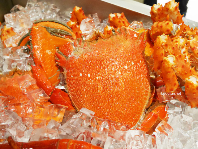 Cra-sea Lobster Deals From Manhattan Fish Market