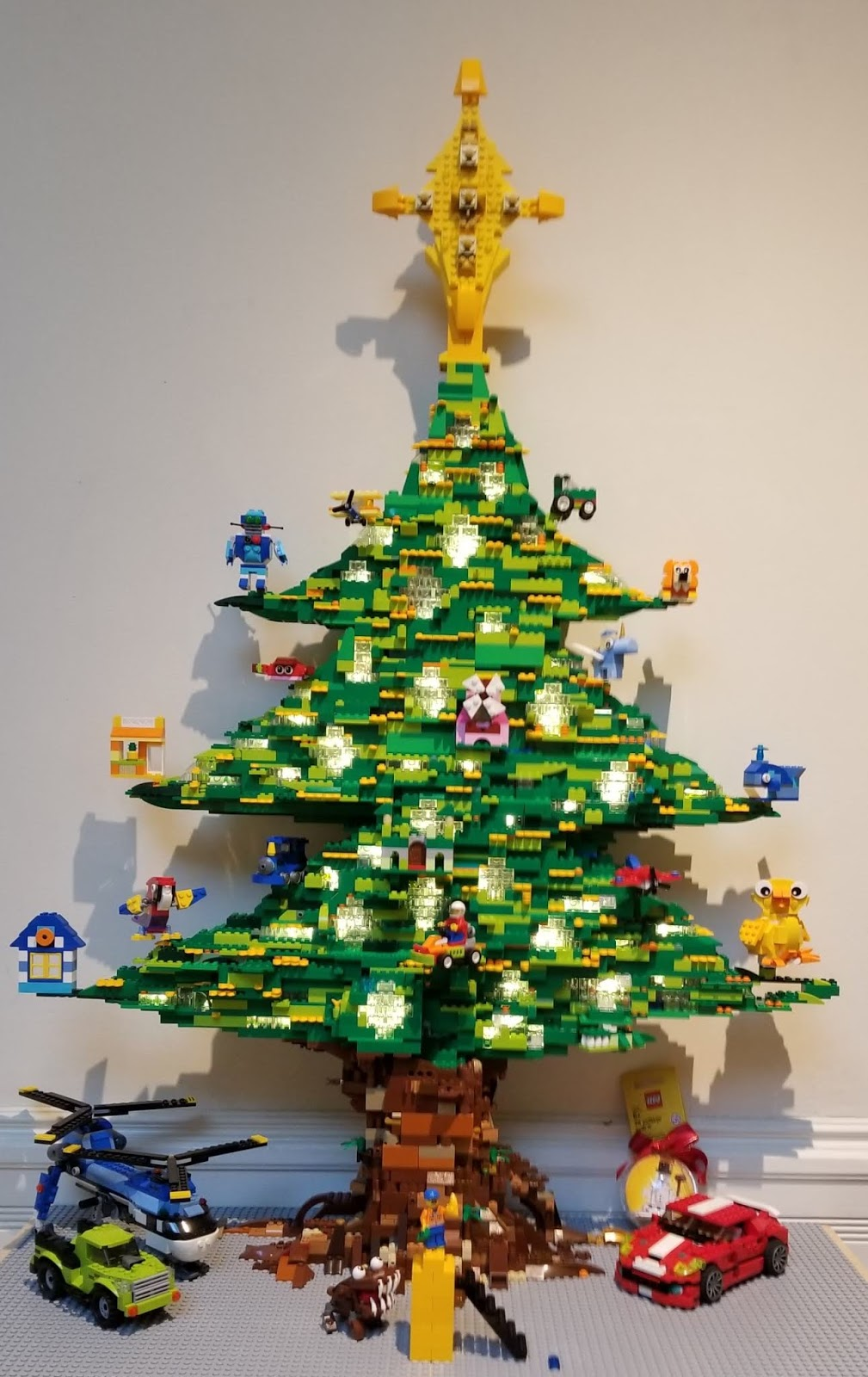 Lego Christmas.Saints John 2018 Lego Christmas Tree Project