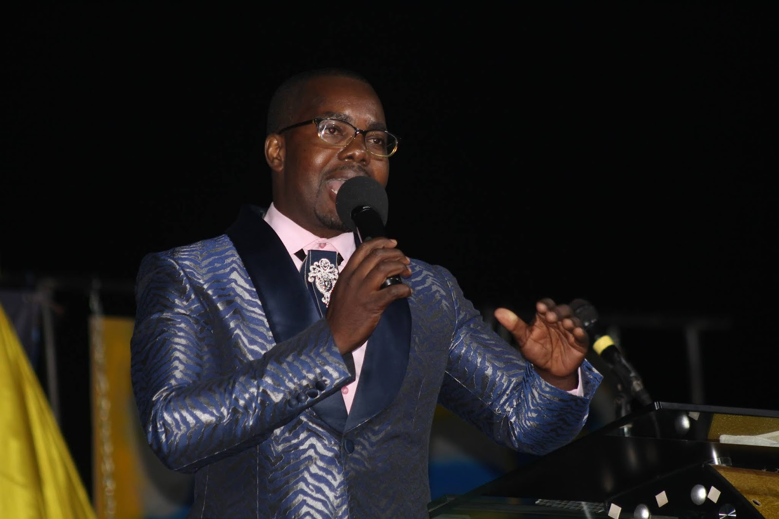 Apostle Shiloh Masenyama Preaches At Tiyambuke Wednesday Night 2018