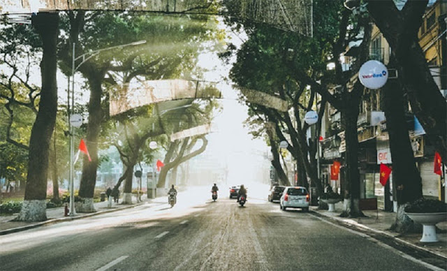Peaceful beauty of Ha Noi during the holiday 1