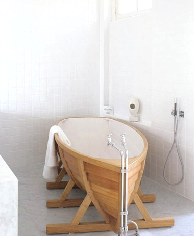 boat bathtub