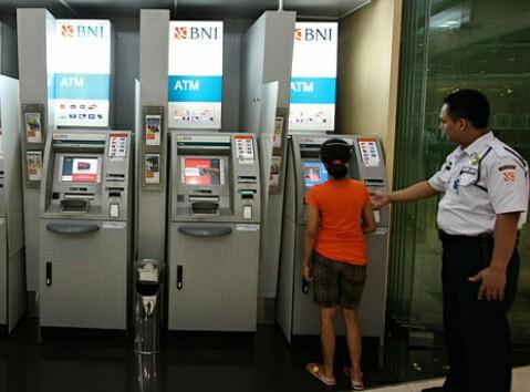 Cara Aman Bertransaksi Melalui BNI ATM