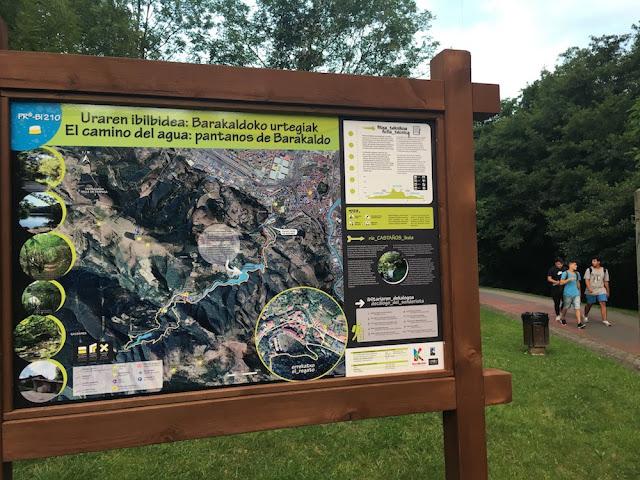 Cartel señalizador del sendero de los pantanos