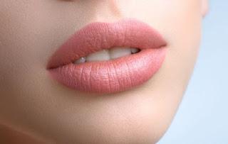 TIPS Cara Mengatasi Bibir Hitam Warna Gelap untuk Remaja Merah Alami