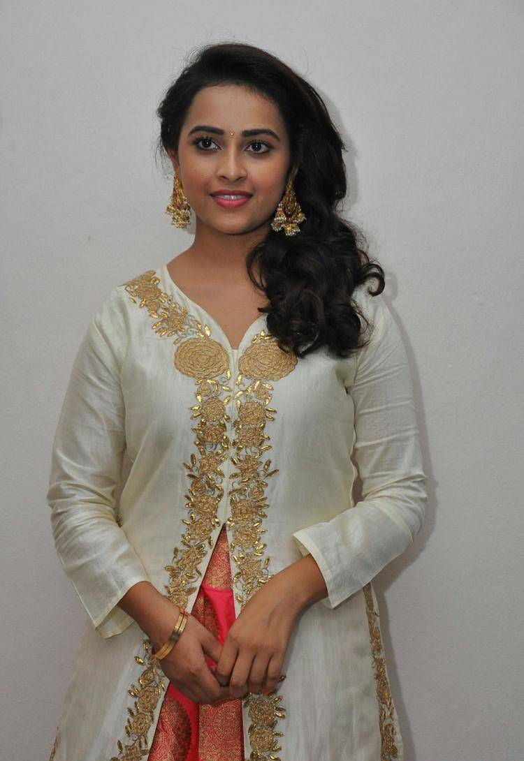 Kollywood Actress Sri Divya In White Dress