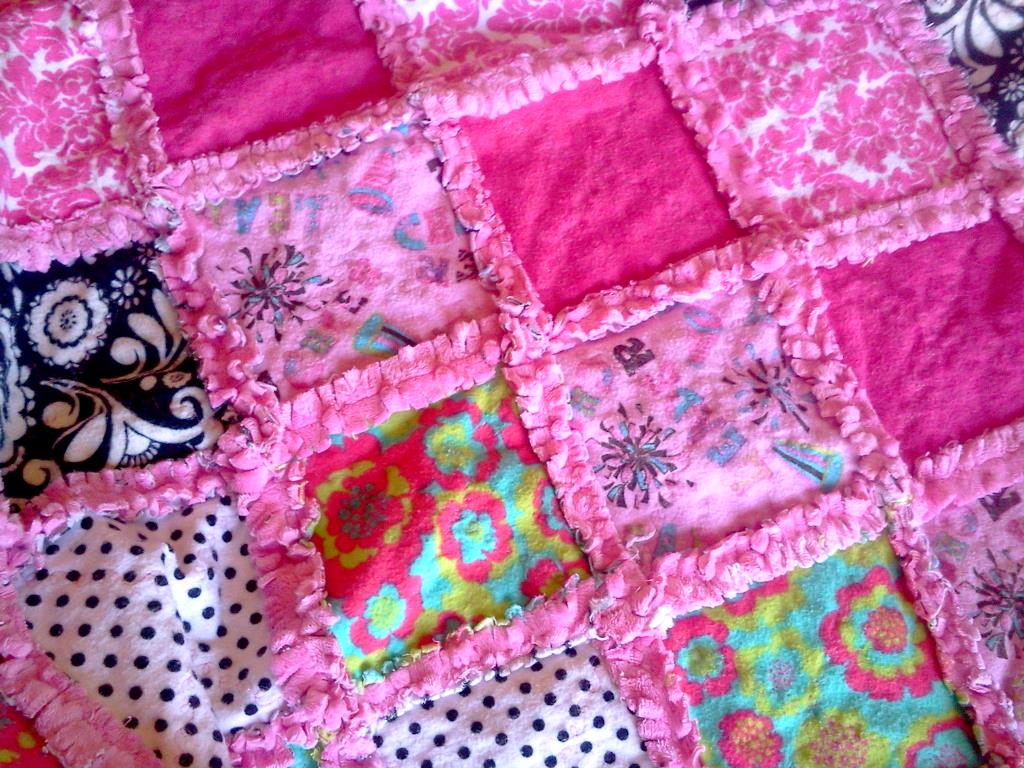 Straddling The Gap Diy Rag Quilt