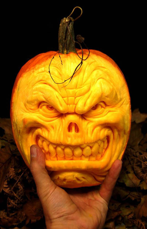 It's Written On The Wall: (Ray Villafane) AMAZING Pumpkin