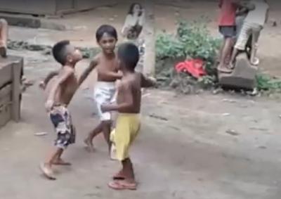 Video 3 Bocah Lagi Asik Joget Ini Viral, Indahnya Masa Kecil