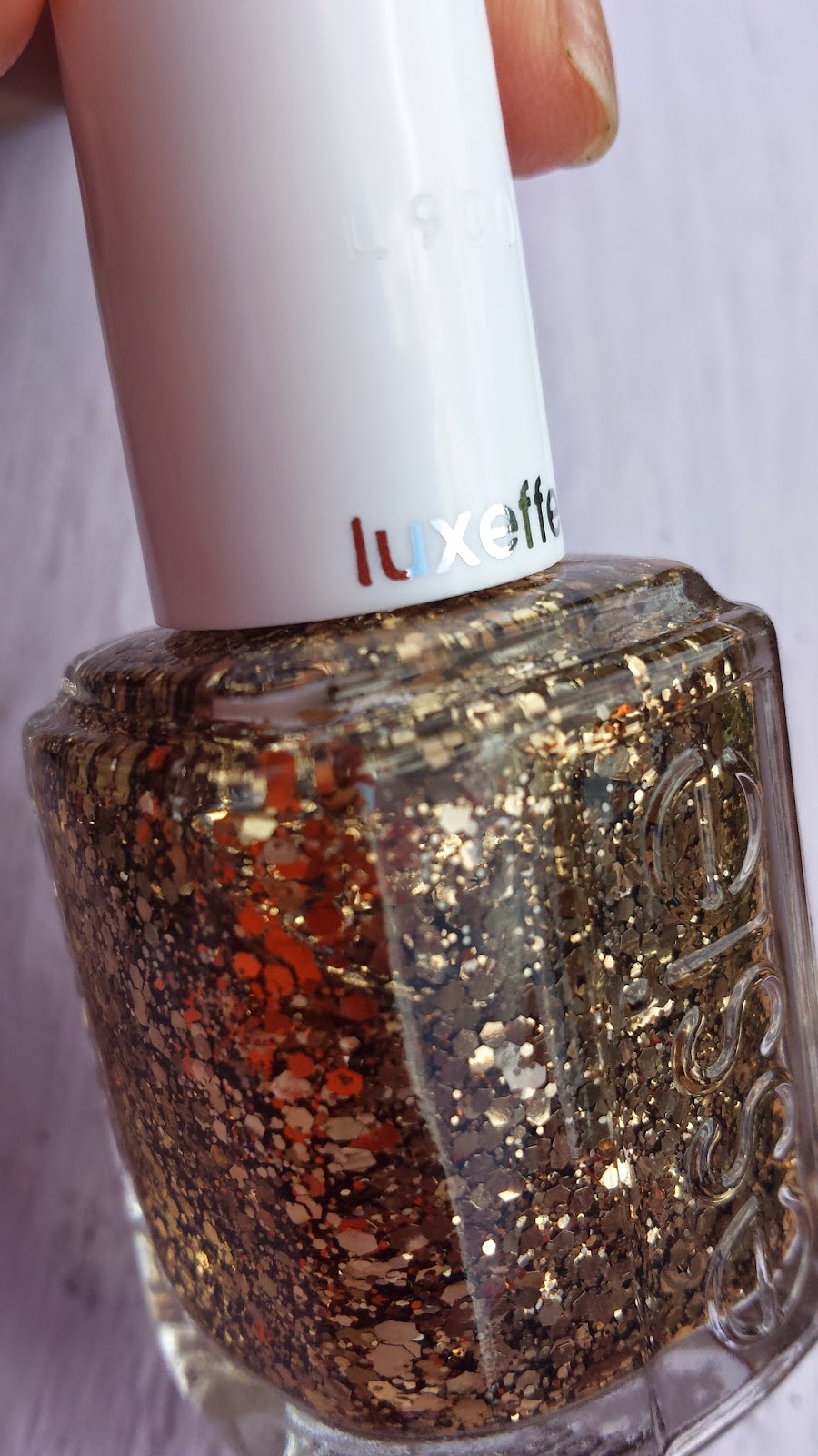Essie luxeffects 'Summit Of Style' - www.modenmakeup.com