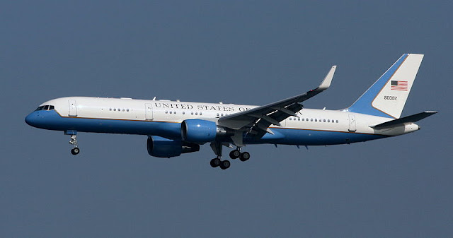 Gambar 15. Foto Pesawat Angkut Militer Boeing C-32