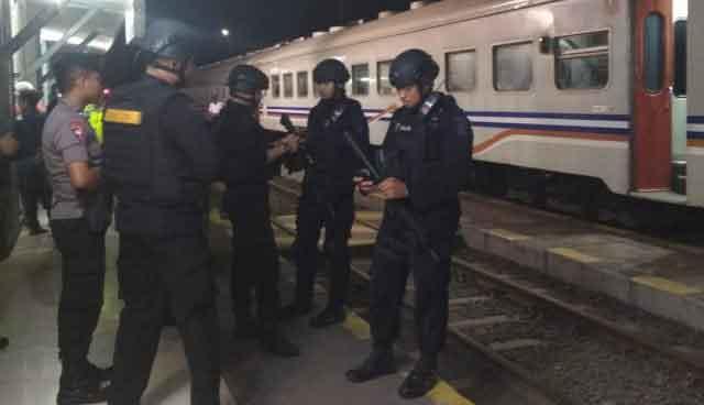 Teror Bom Ancam Ledakkan Gerbong Kereta Merak-Rangkasbitung
