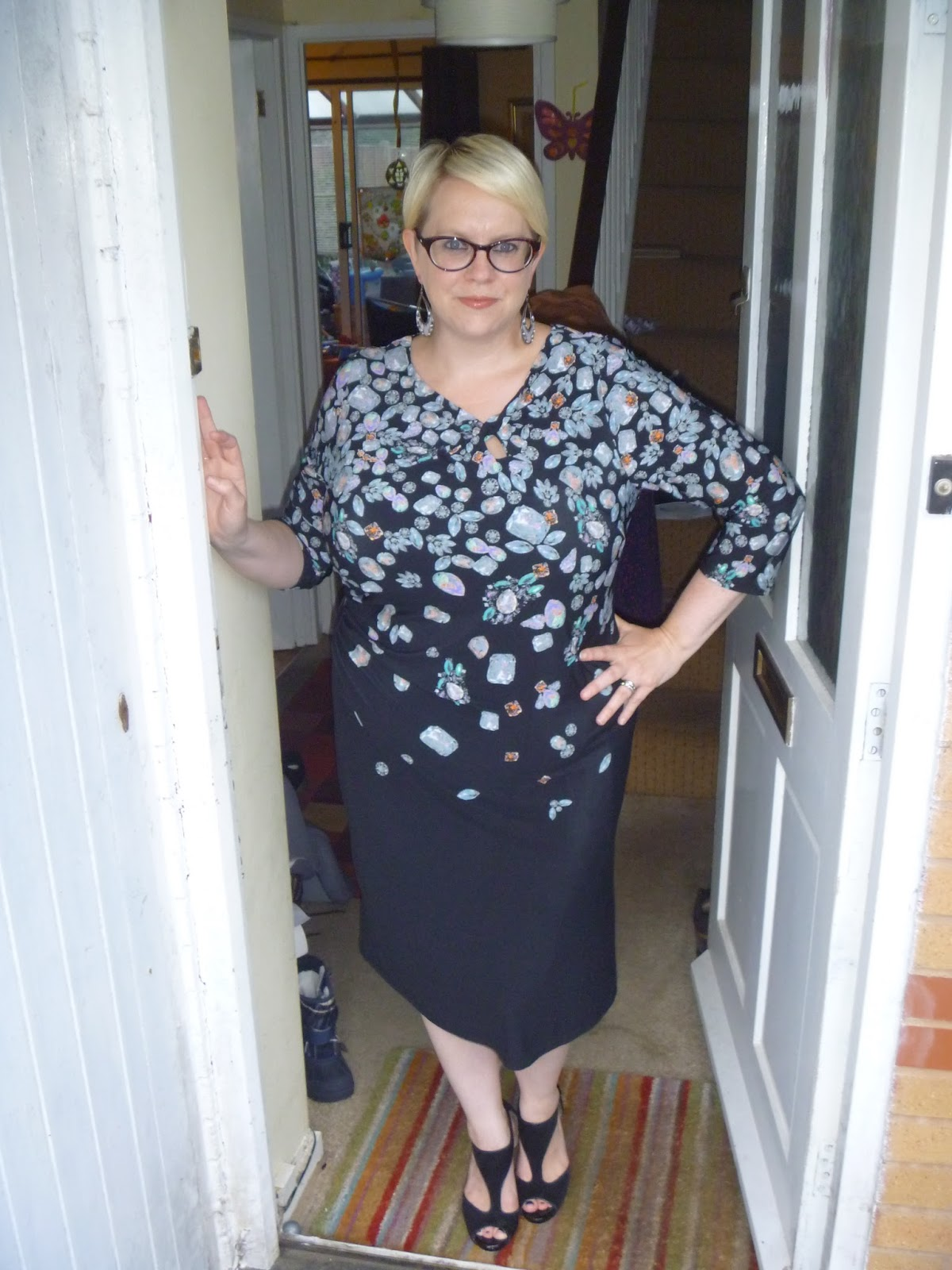 b3b4a93809e Having never worn anything by Anna Scholz before I took a chance and asked  to try a size 20