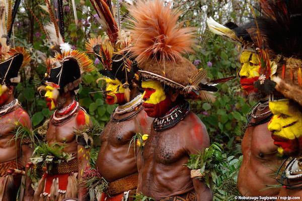 秘境パプアニューギニアの部族を撮影!杉山宣嗣写真展「部族の肖像 ...