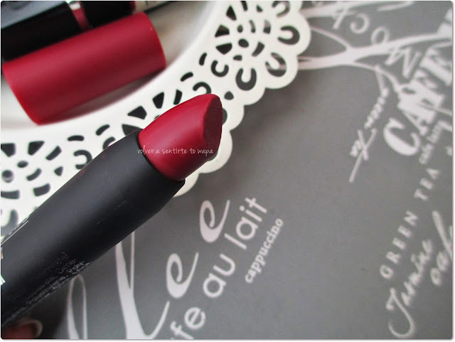 Jumbo Twist-Up Matt Lips 65 Ruby Gem de Isadora