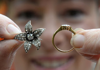 UK couple find diamonds stashed in aution chair