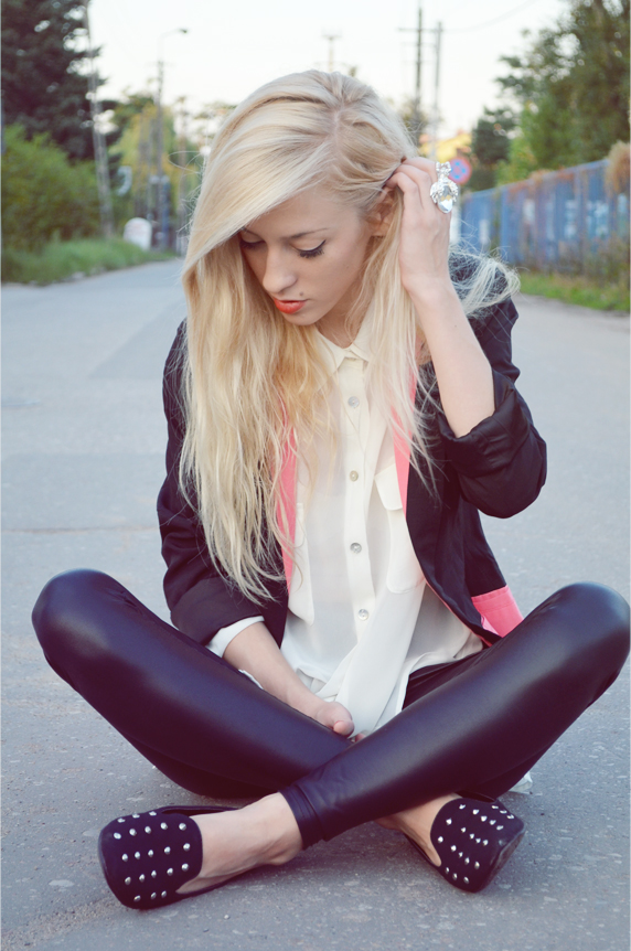 COLOR BLOCK BLAZER + STUDDED SHOES