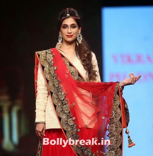 Lucky Morani, Beautiful Bhagyashree, Gauhar, Tara, Perizad, Divya at Cancer Fundraiser Fashion Show
