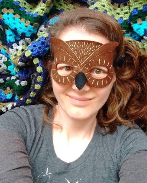http://bugsandfishes.blogspot.co.uk/2017/09/felt-owl-mask-tutorial-for-halloween.html