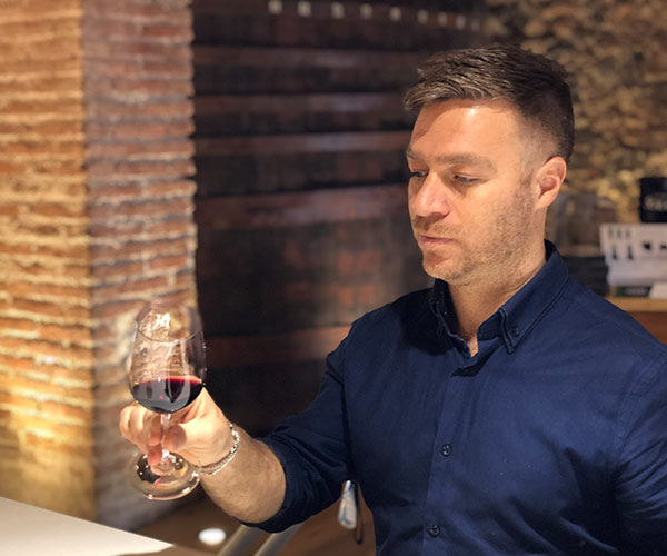 Luciano Wehrli Sommelier, cata de vinos