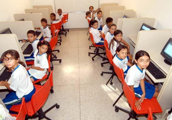 Resultado de imagem para escolas com banda larga brasil