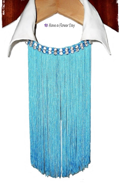 Collares flecos azul · Blue fringe necklaces