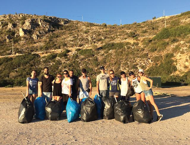 """Με επιτυχία η δράση """"2 California girls καθαρίζουν παραλίες"""" στην Αργολίδα"""