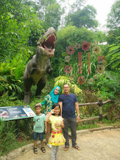 Taman legenda, taman legenda keong mas, petualangan dinosaurus, dinosaurus di taman mini, dinosaurus di taman legenda, tiket masuk taman legenda, harga tiket masuk taman legenda, ada apa di taman legenda.