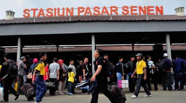 Cara Naik Kereta KRL ke Stasiun Pasar Senen