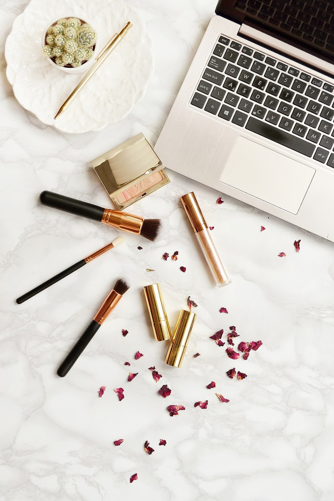 free-makeup-stock-images