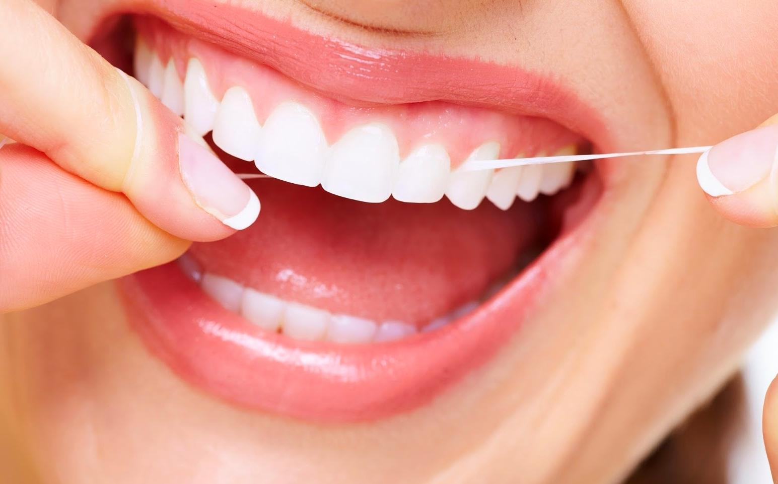8 Cara Mudah Memutihkan Gigi Secara Alami Clogn
